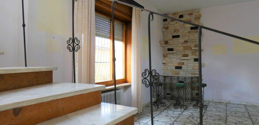San Lazzaro villa indipendente ampia metratura con giardino