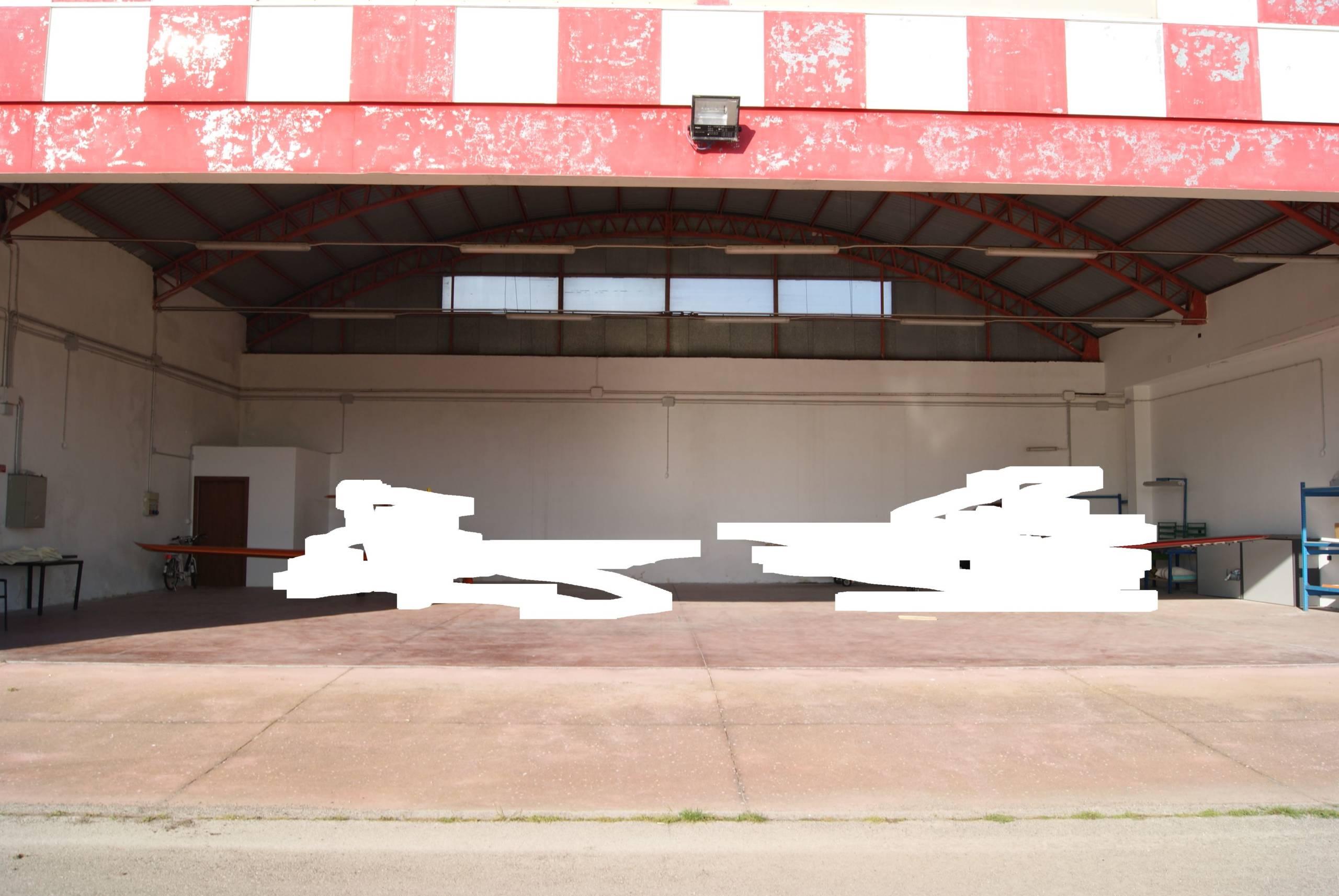 Lecce-San Cataldo località Lepore 2 hangar in vendita