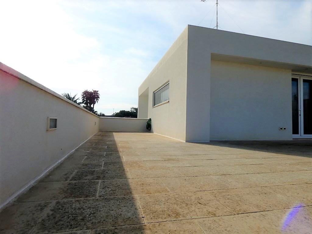 Via Merine villa indipendente rifinita con ampio giardino