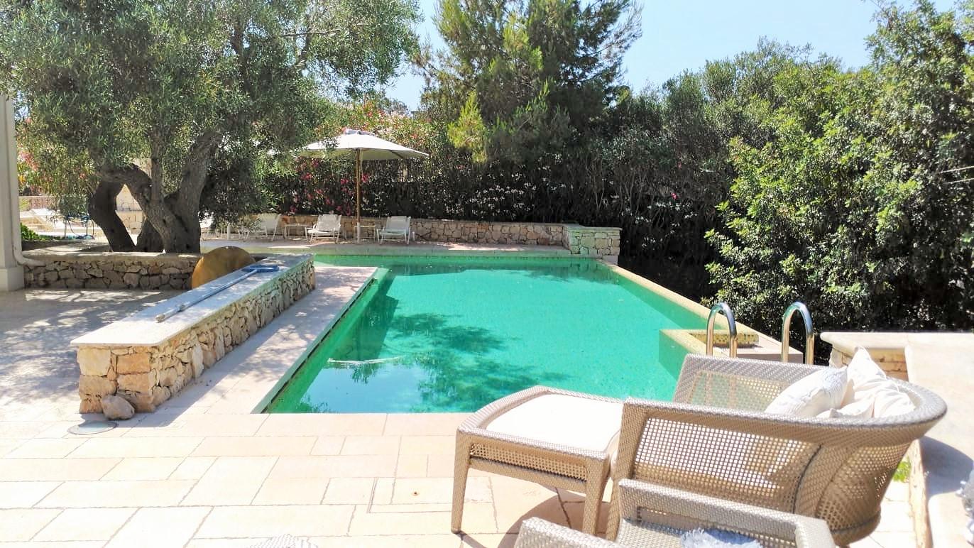 Santa Maria Di Leuca in splendida posizione panoramica elegante villa con piscina